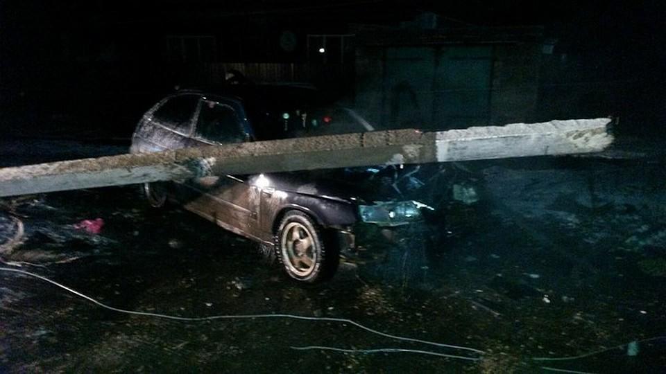 ВБашкирии шофёр «семерки» повалил электроопору