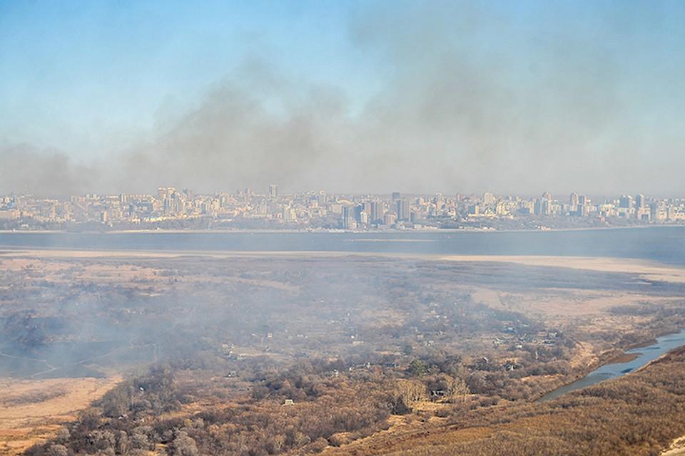 Хабаровск заволокло дымом отлесных пожаров в«Поднебесной»
