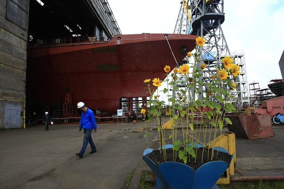 Основанный вКалининграде траулер «Ленинец» для рыбаков Камчатки спущен наводу
