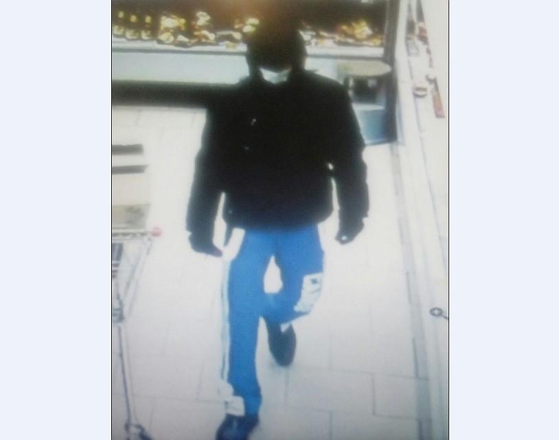 ВПерми неизвестный мужчина в врачебной маске ограбил магазин «Пятерочка»