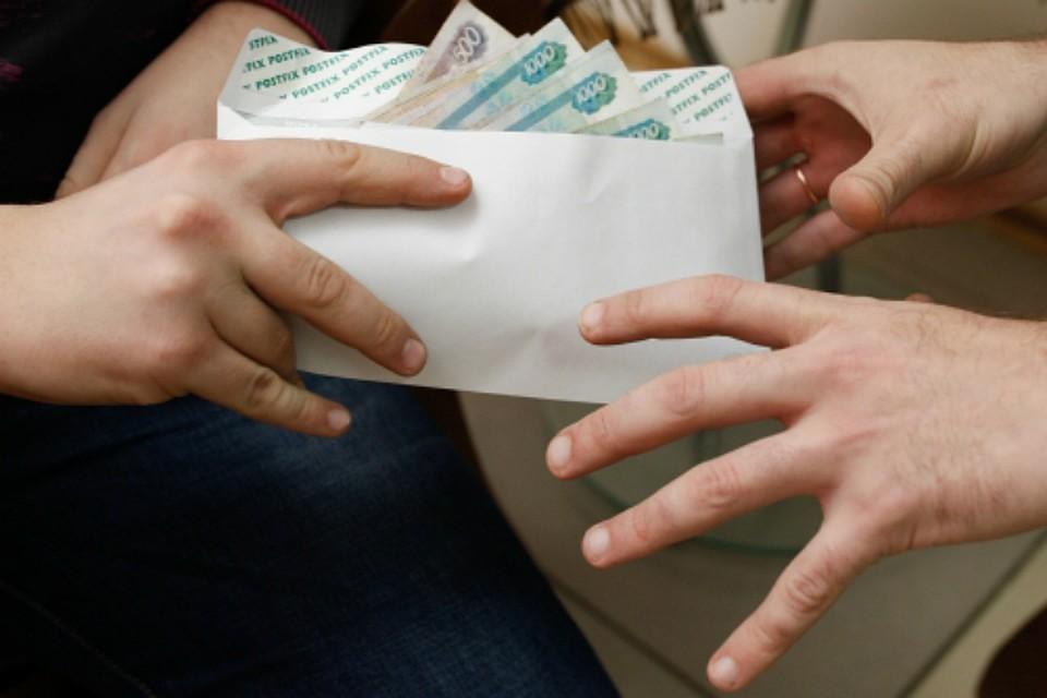 Руководителя поселка вХабаровском крае подозревают вполучении взятки