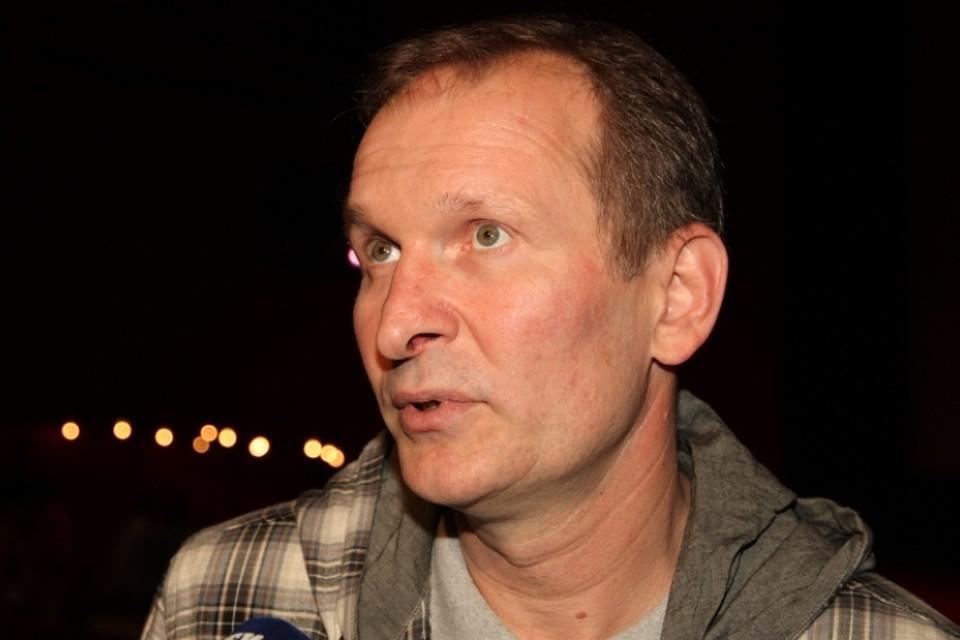 СБУ на три года запретила въезд в страну сыгравшему одну из главных ролей в сериале Сваты Фёдору Добронравову из-за посещения Крыма