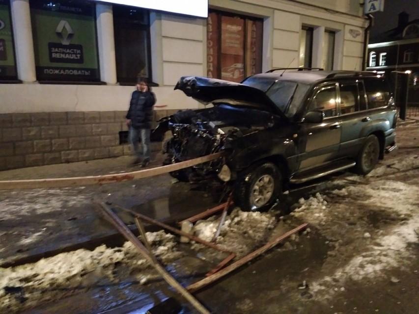 После столкновения с«Ладой» «Тойота» всмятку— джип vsлегковушка