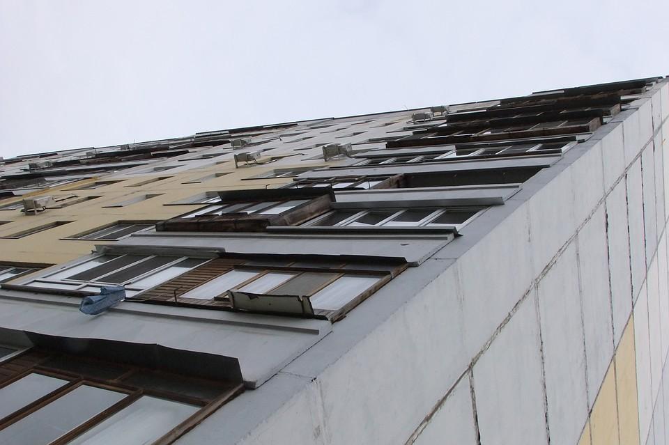 ВРостове мужчина выпал изокна восьмого этажа иразбился насмерть