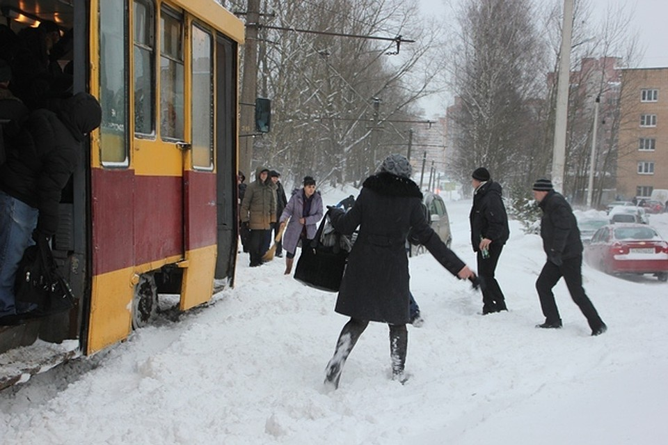Мэр города поручил занеделю оборудовать всю снегоуборочную технику системой ГЛОНАСС— Смоленск