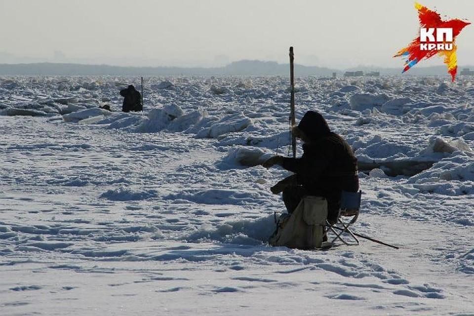 Cотрудники экстренных служб обнаружили тело одного изрыбаков сотколовшейся вТатарстане льдины