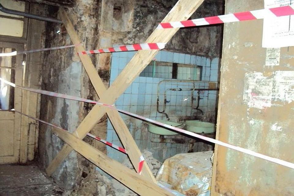 Насевере Волгограда вобщежитии обрушилась часть стены