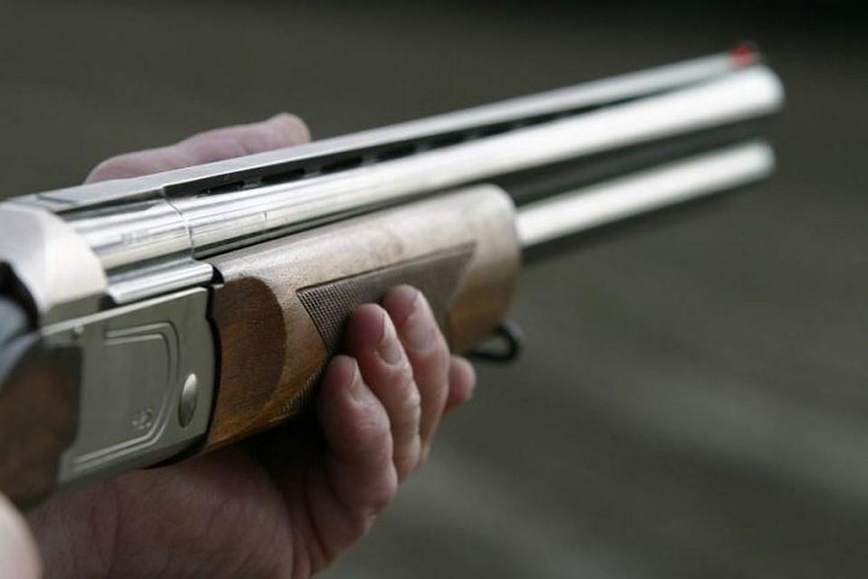 Мужчина стрелял сбалкона изружья вФестивальном микрорайоне