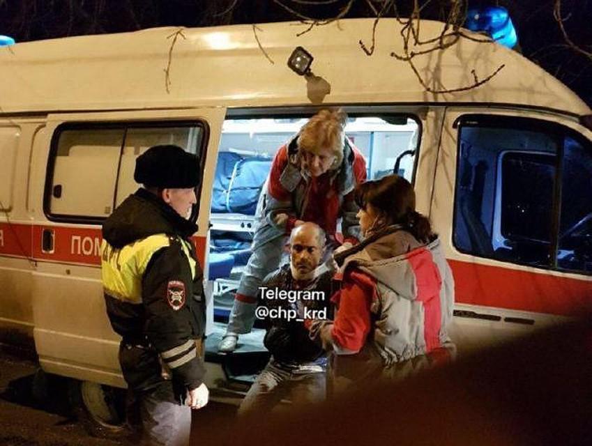 ВКраснодаре нетрезвый шофёр после ДТП наносил себе резанные раны при аресте