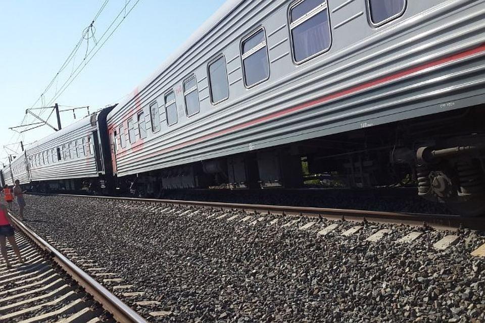 Неисправный грузовой состав вызвал задержку вдвижении поездов вСочи