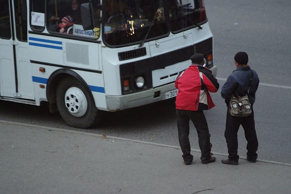 ВПятигорске водителя зажало между 2-мя автобусами: мужчина умер