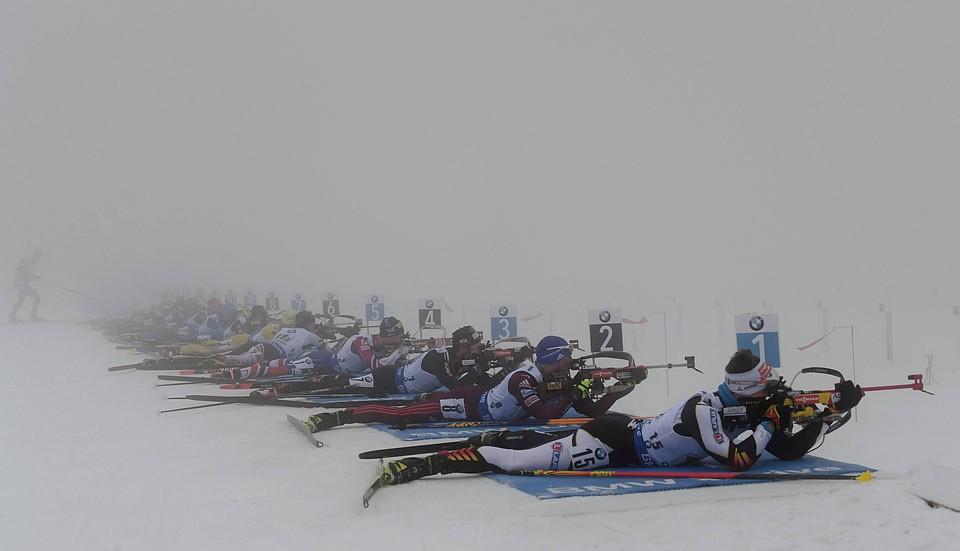 Мужская сборная Швеции выигрывает эстафету вОберхофе