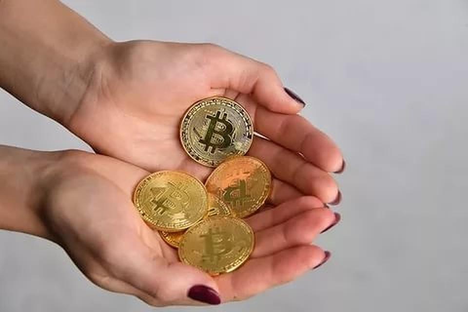 «Яхочу, чтобы девочкам больше нравились бриллианты, чем криптовалютные фермы»— Моисеев