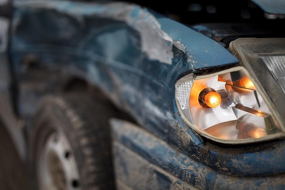 ВКирилловском районе врезультате дорожного происшествия погибли 2 человека