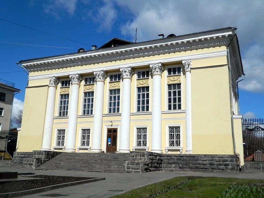 ВМинкультуры Российской Федерации направили заявку нареконструкцию государственной библиотеки Удмуртии