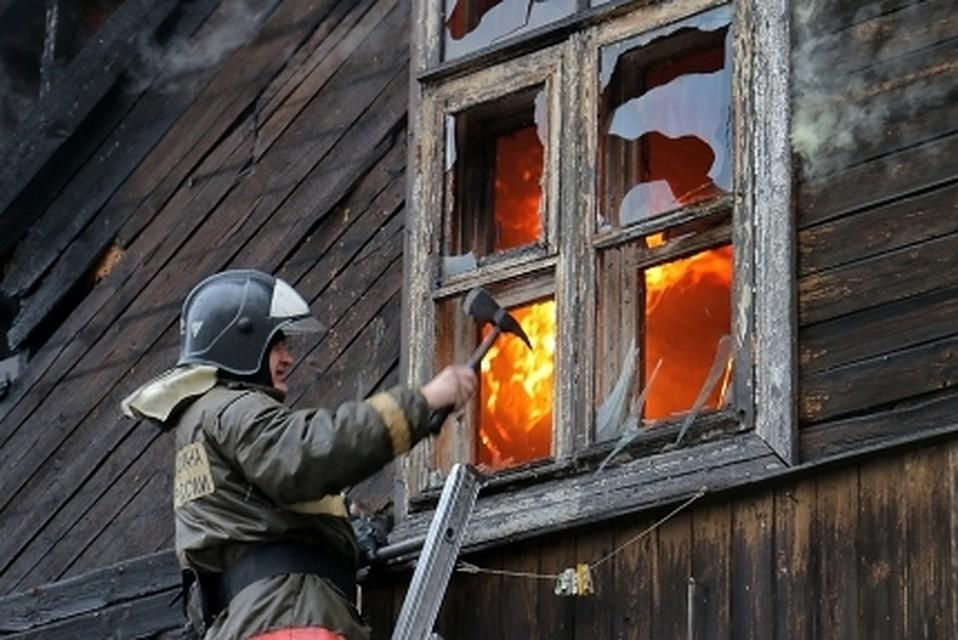 Деревянное общежитие наЯмале сгорело как спичка, умер  человек