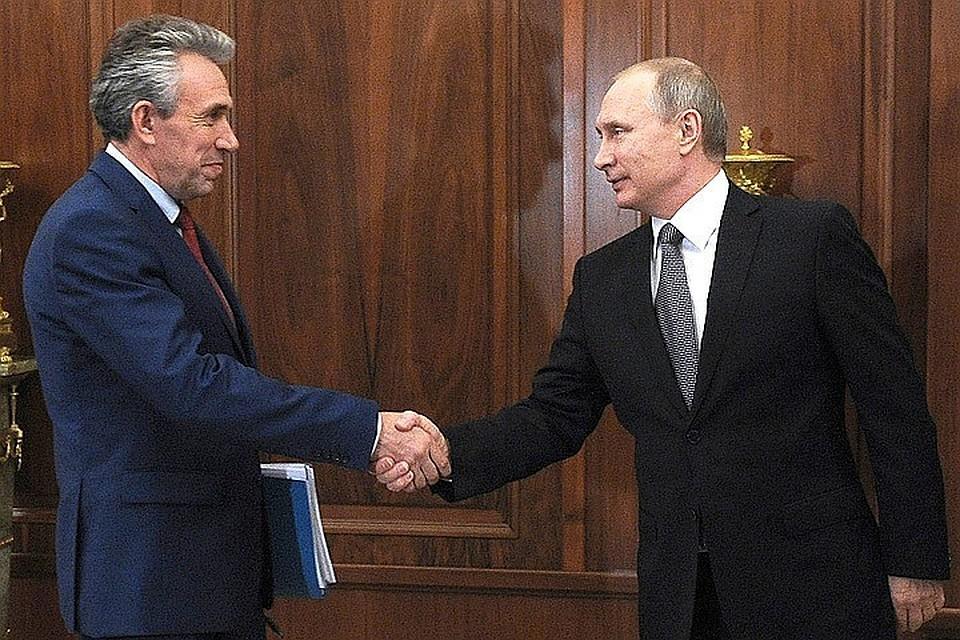 Председатель Внешэкономбанка Сергей Горьков и президент России Владимир Путин