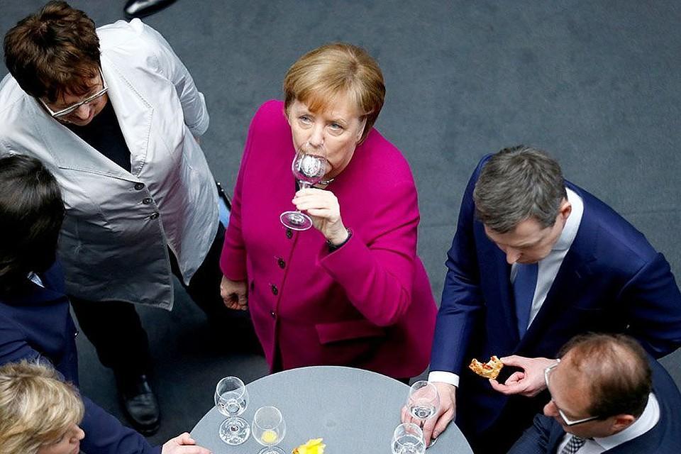 Немецкие консерваторы и социал-демократы подписали соглашение о коалиции
