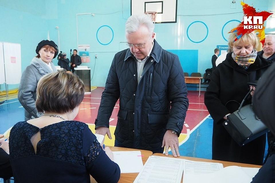 Как проголосовали врио губернатора Александр Усс и руководитель Красноярска Сергей Еремин