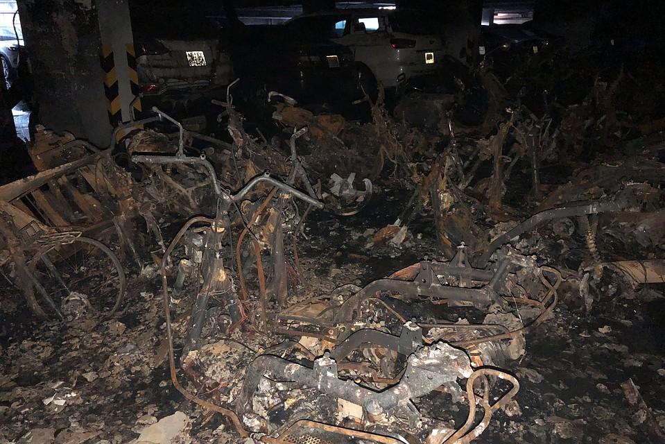 13 человек стали жертвами пожара вжилом доме воВьетнаме