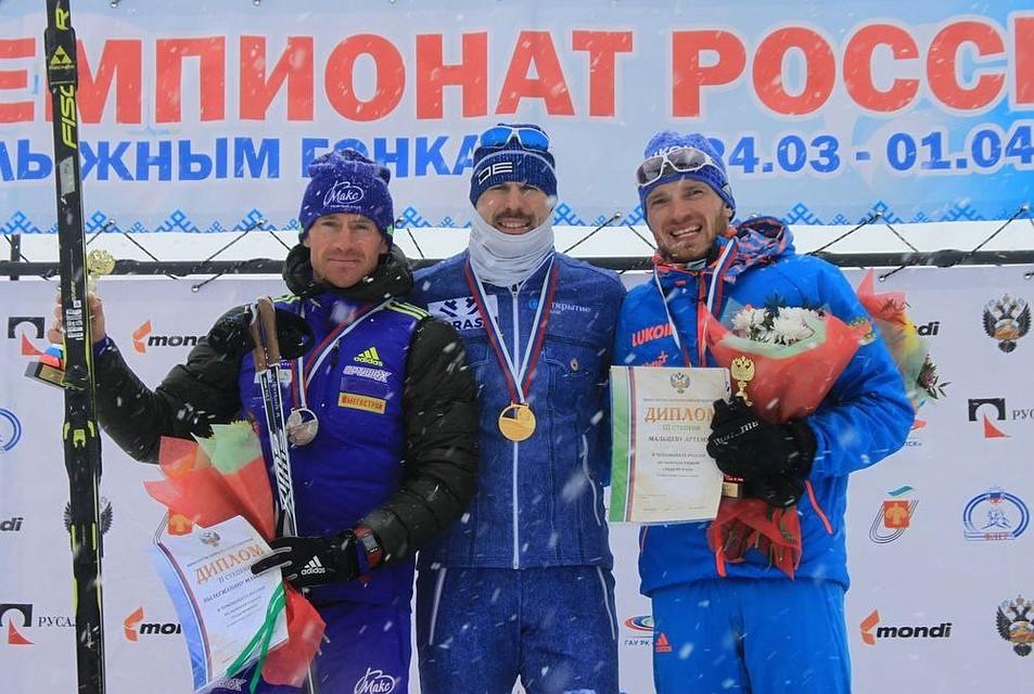 С. Устюгов одержал победу скиатлон наЧР вСыктывкаре, Вылегжанин