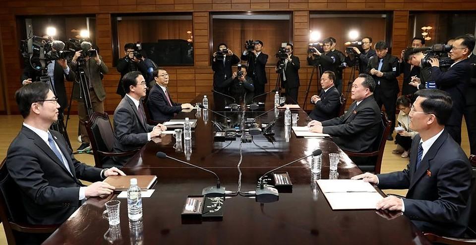 AP: КНДР иЮжная Корея договорились провести двусторонний саммит 27апреля