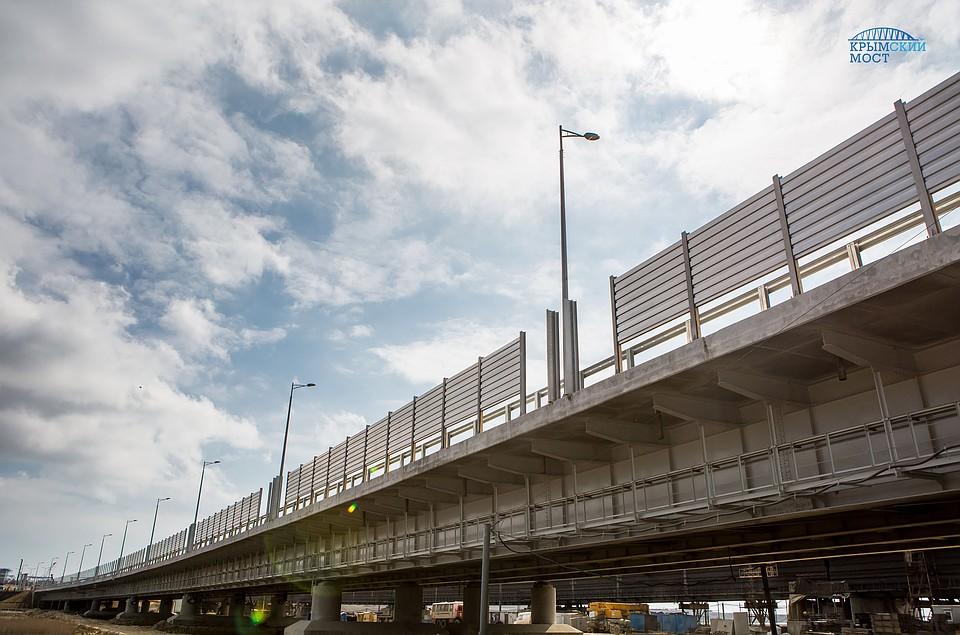 НаКрымском мосту началась установка «акустического щита»