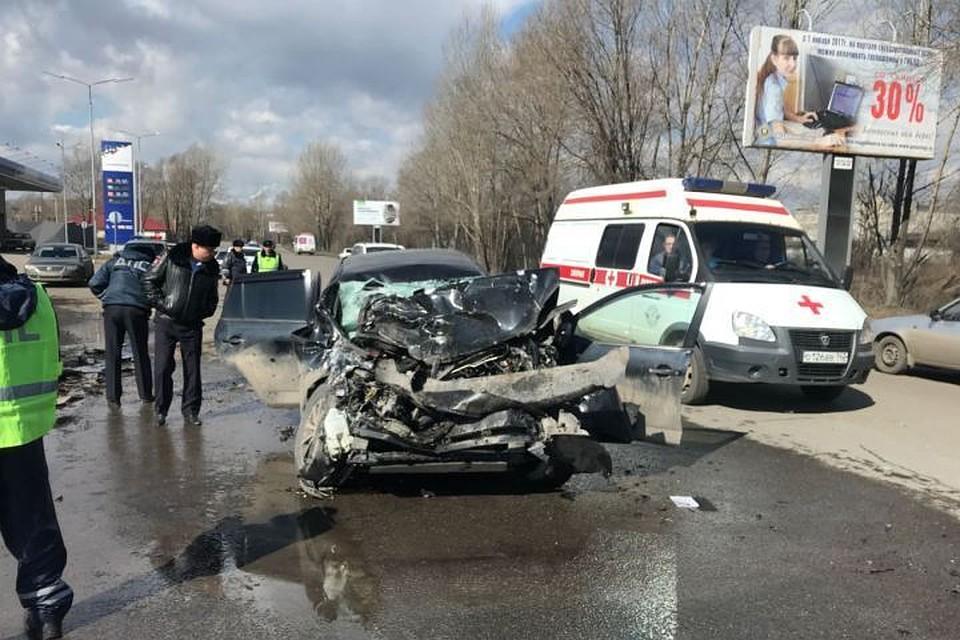 Тоёта иавтобус ПАЗ столкнулись вНовокузнецке: два человека пострадали