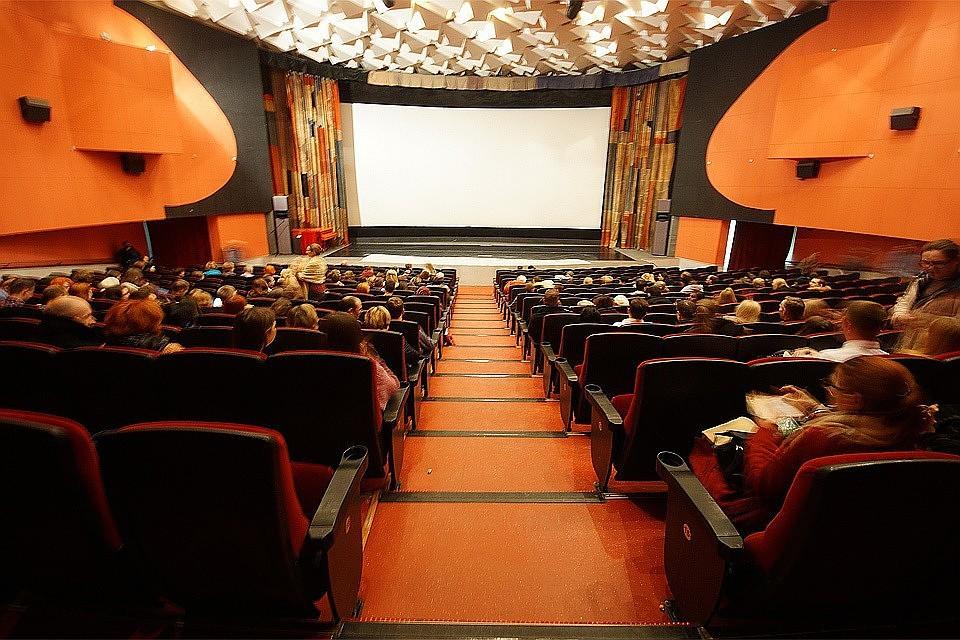Известный воВладивостоке кинотеатр закрыт занарушения требований пожарной безопасности