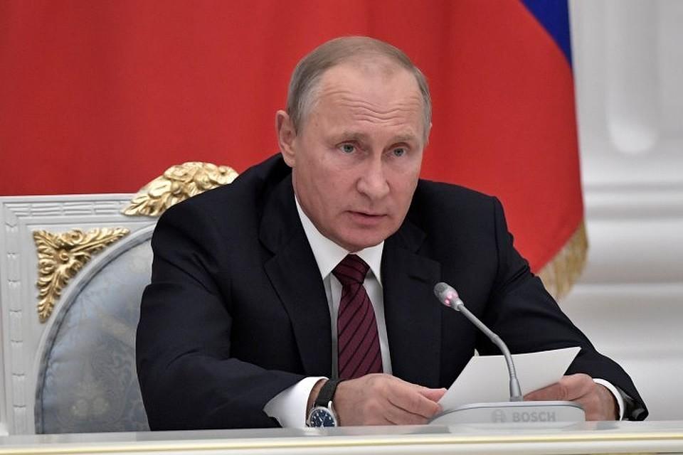 Путин постановил снять дисциплинарное взыскание с руководителя Минтранса
