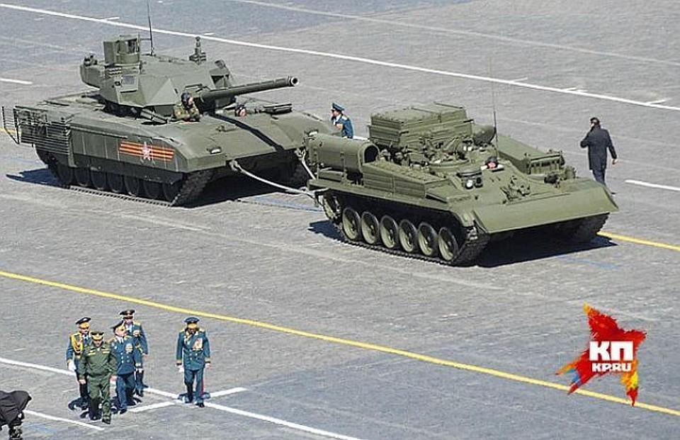 Танк'Армата во время парада 9 мая на Красной площади