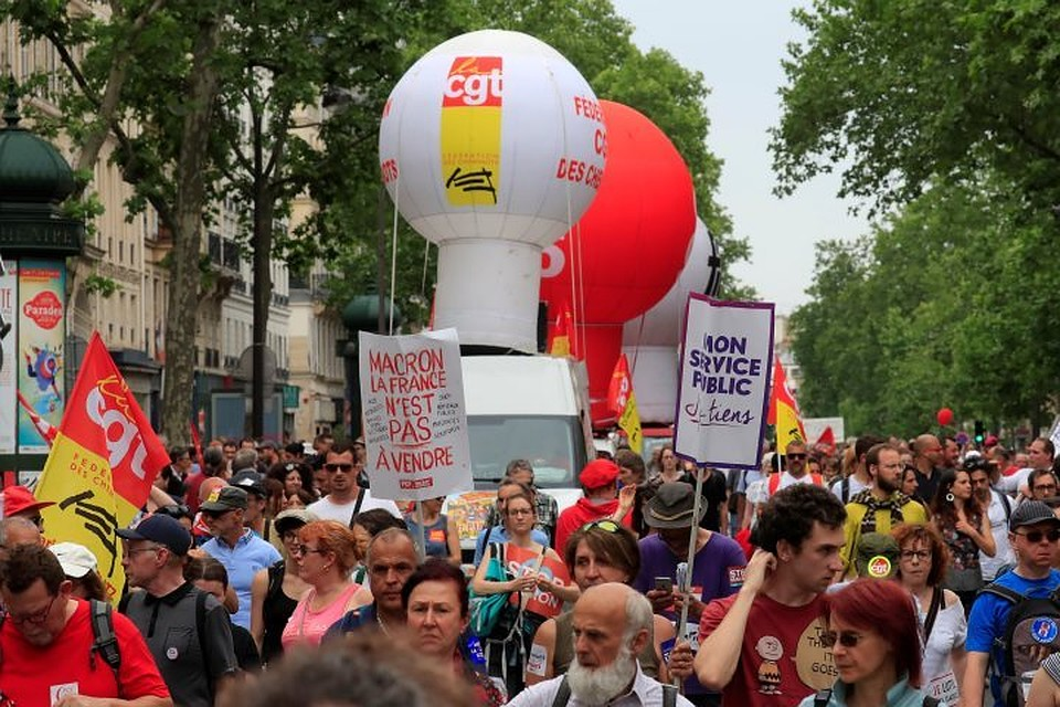 ВоФранции вакциях протеста приняли участие 250 тыс.  человек