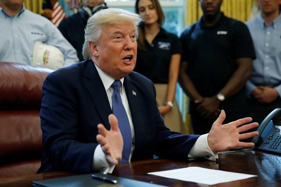 СМИ узнали опривычке Трампа рвать главные  документы