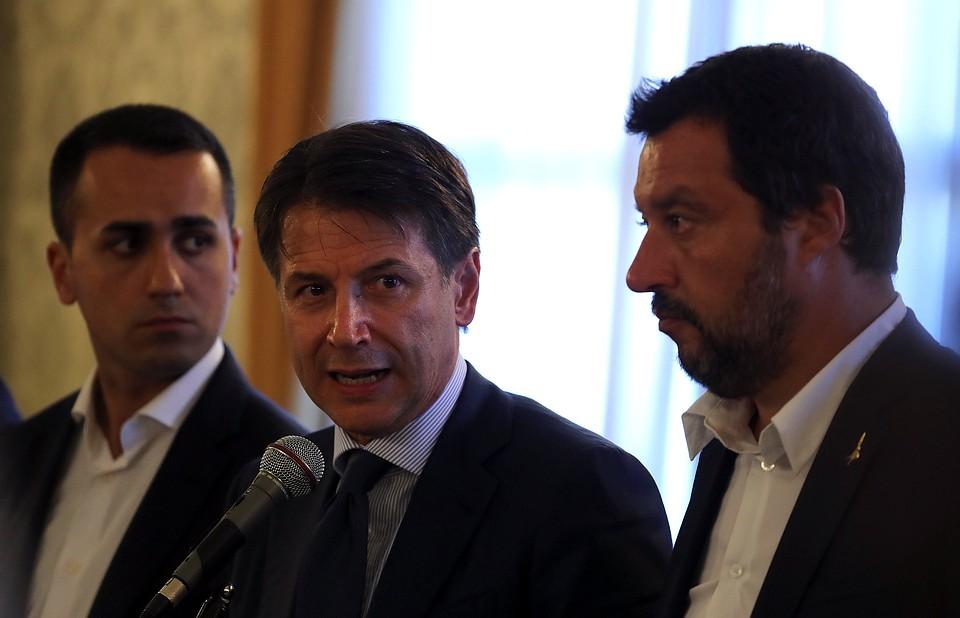 Премьер Италии ввел годовой режимЧП после обвала моста вГенуе