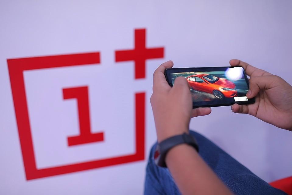Смартфон One Plus 6 назван самой лучшей новинкой в 2018 году