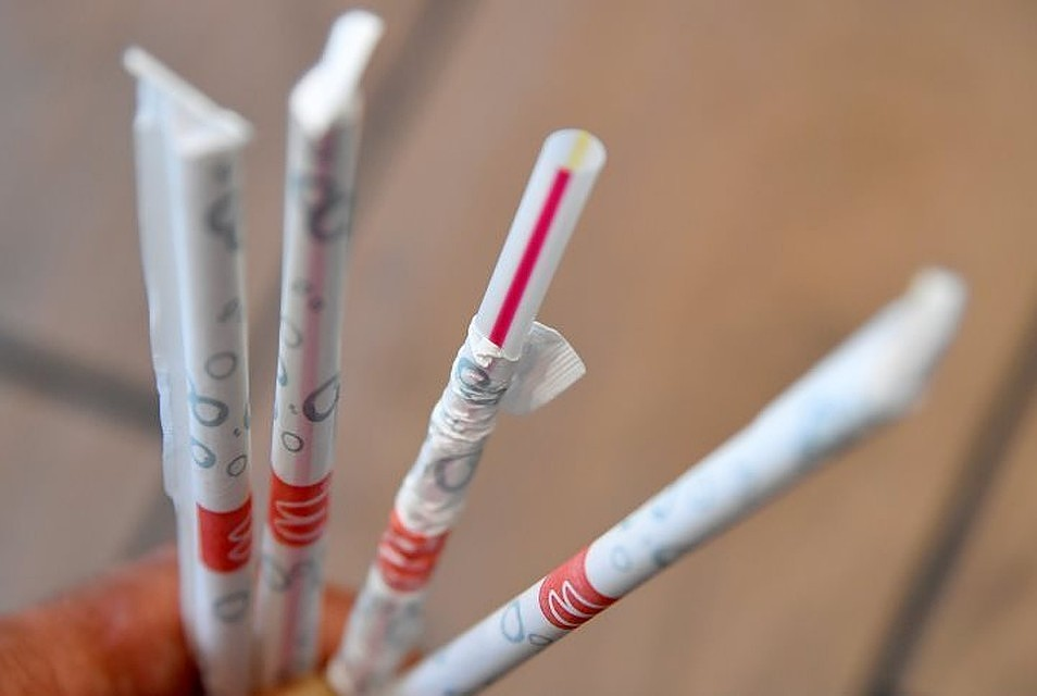 Калифорния запретила пластиковые соломинки вресторанах