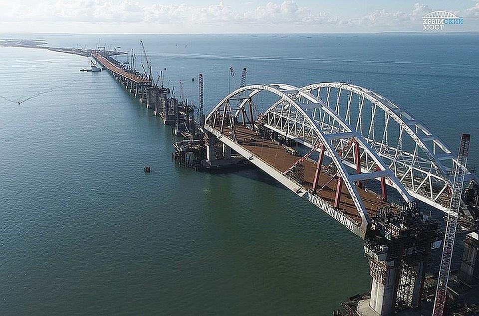 ПоКрымскому мосту запустили движение грузового транспорта