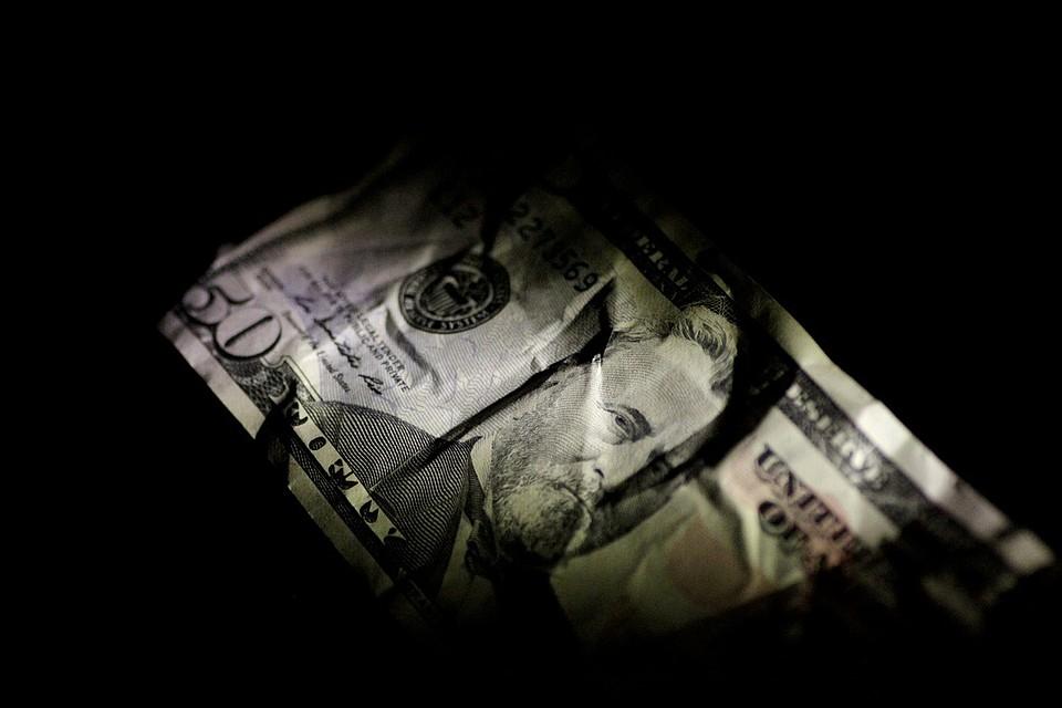 Руб. значительно укрепился нафоне увеличения стоимости нефти