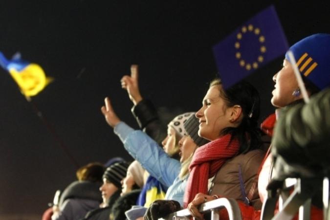 Нынешний майдан - националистический. На телеканалах показывают только веселые, радостные лица студентов, а не бандеровских гопников, которые понаехали с Галичины Фото: REUTERS