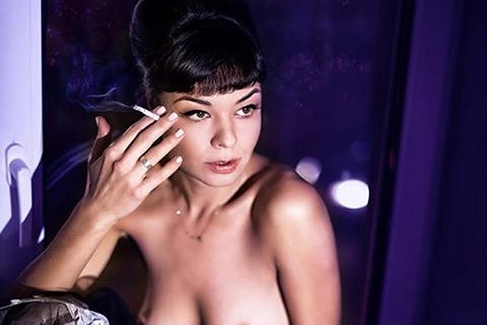 eroticheskoe-foto-yuliya-zaharova-aktrisa