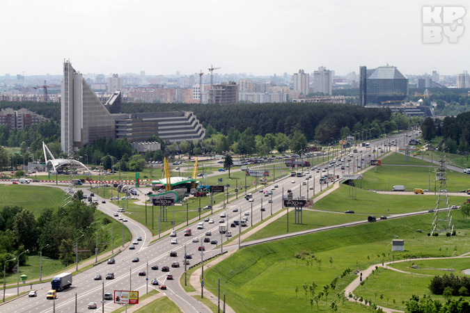 Архитектор Александра Боярина рассказывает о том, откуда берутся транспортные проблемы Минска и есть ли шанс на их решение.