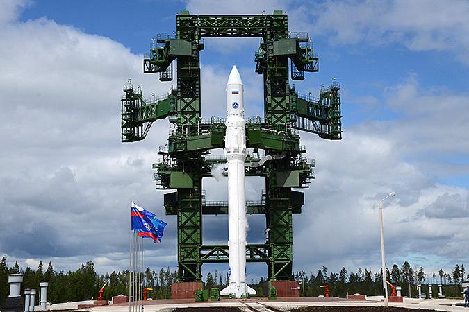Ракета-носитель Ангара на стартовой площадке