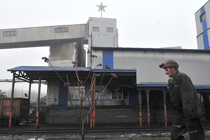 Корреспонденты «КП» посмотрели, как шахтеры Донбасса возвращающиеся на свои разрушенные войной рабочие места