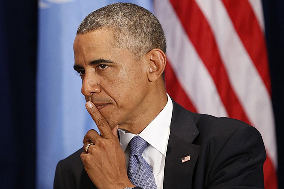 ...и тут выходит Обама весь в белом