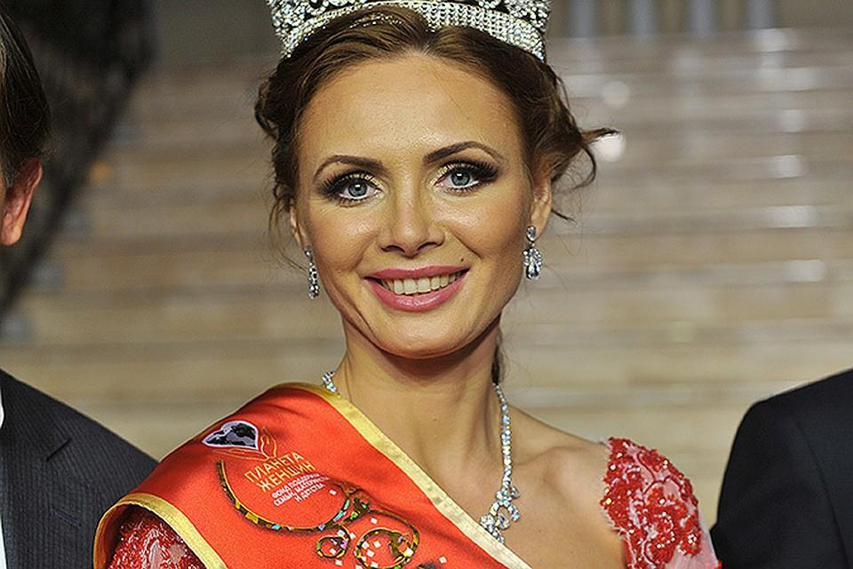 """Корону """"Миссис Россия - 2015"""" получила мать шестерых детей"""