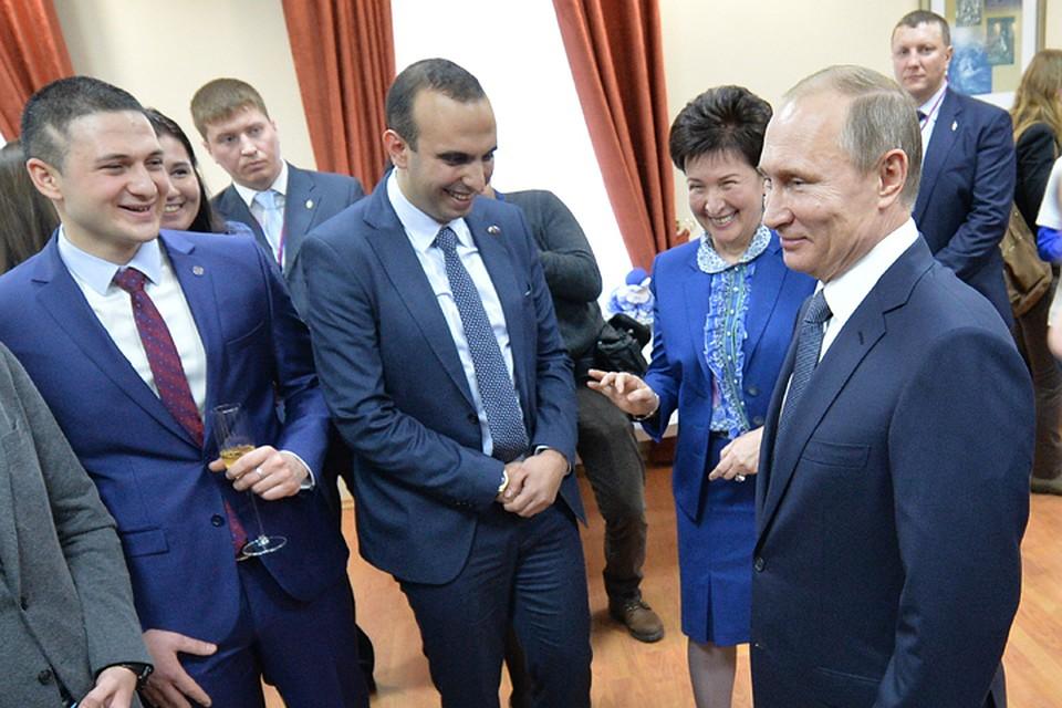 Владимир Путин заехал в Северокавказский федеральный университет