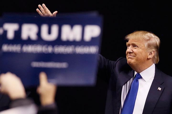 Все попытки корпоративных американских СМИ представить Трампа как «нового Гитлера» не принесли успеха. Старые страшилки больше не работают
