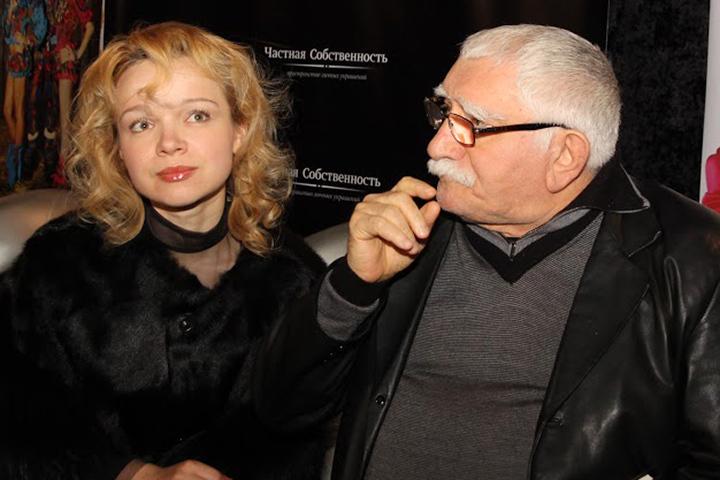 Два дня назад 80-летний народный артист СССР зарегистрировал брак с Виталиной Цымбалюк