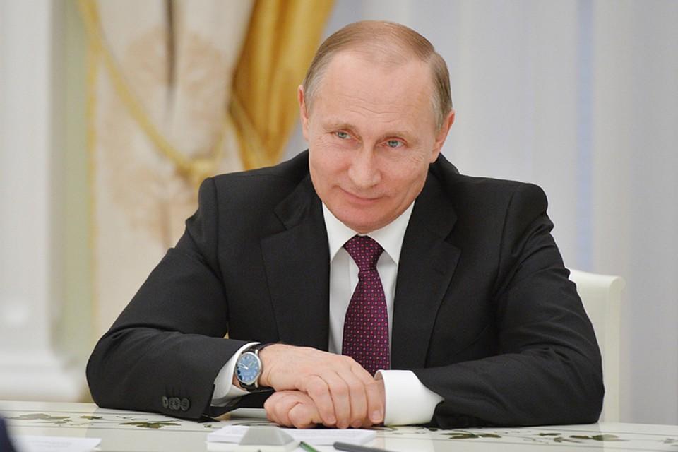 Такого, как Путин: в Париже российского лидера называют новым де Голем