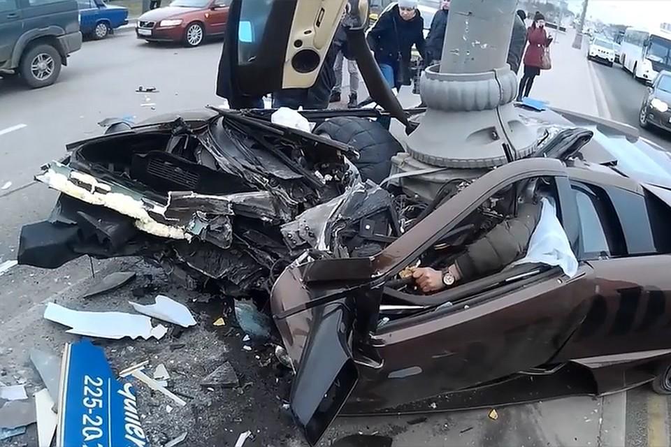 В сети появилось видео с места ДТП с Lamborghini бойца Адама Яндиева